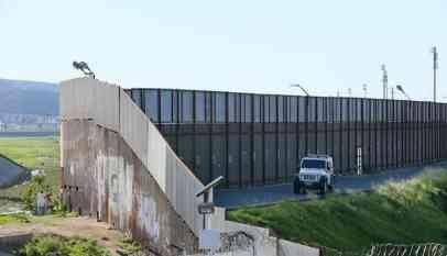 واشنطن تخصص 8 مليارات دولار لبناء السياج الحدودي مع المكسيك