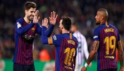 ميسي يقود برشلونة للفوز على بلد الوليد والابتعاد بصدارة الليجا