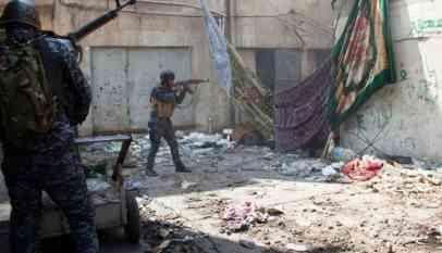 القوات العراقية تعتقل قناص داعشي