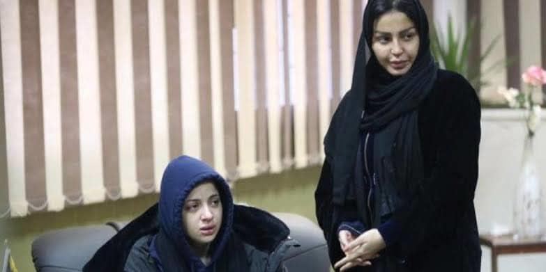 اول صورة لمنى وشيماء من المحكمة ومفاجآت بقضية الفيديو الإباحى
