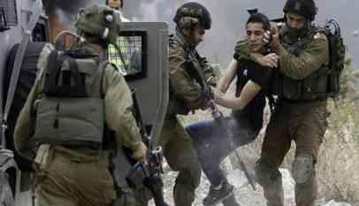 الاحتلال يعتقل فلسطيني