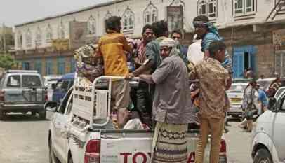 نزوح سكان الجبلية بالحديدة اثر القصف الحوثي المستمر فى اليمن