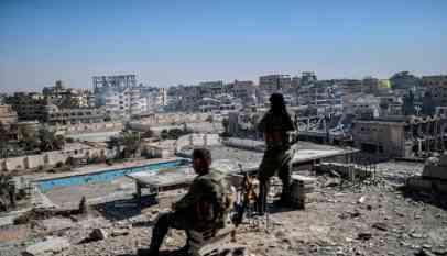احتجاز نحو 600 سوريًا