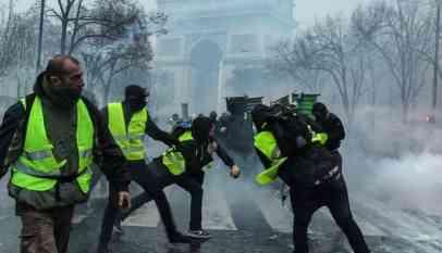 السترات الصفراء في باريس