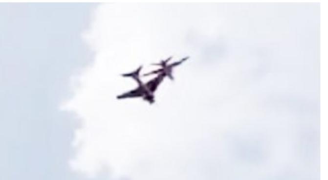 اصطدام طائرتين بالهند ومصرع طيار