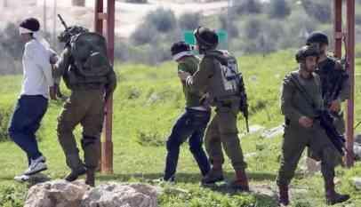 الاحتلال يعتقل 22 فلسطينيا في الضفة المحتلة