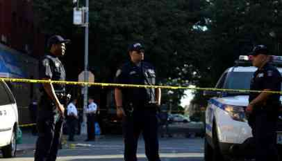 إصابة شرطيين ومواطنين أمريكيين