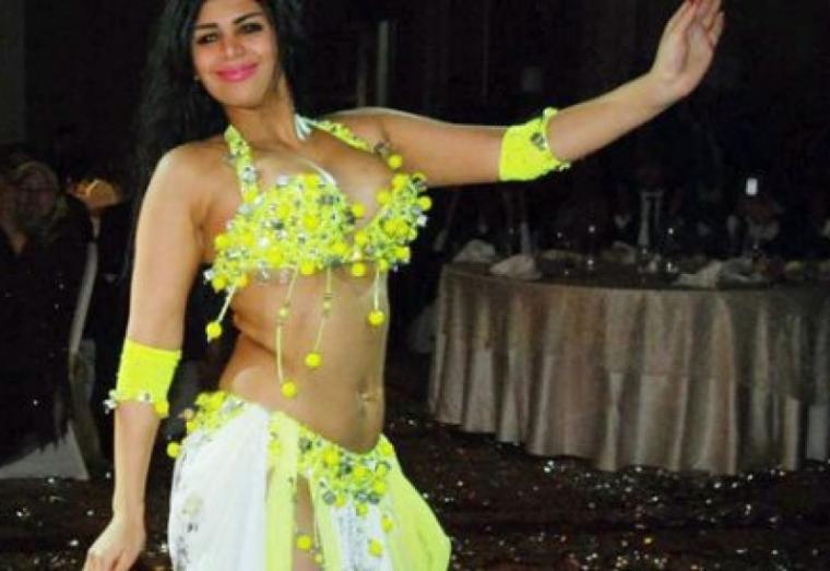 الراقصة شمس طليقة سعد الصغير بعد قتلها لخادمتها