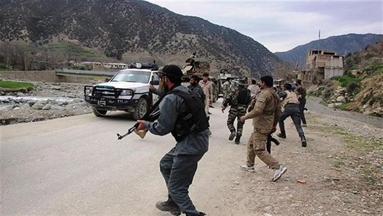 هجوم لطالبان يقتل 33 جنديا وشرطيا
