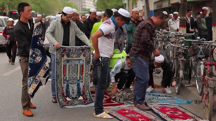المحنة المنسية.. 30 قانونا ترغم المسلمين الإيغور على الردة