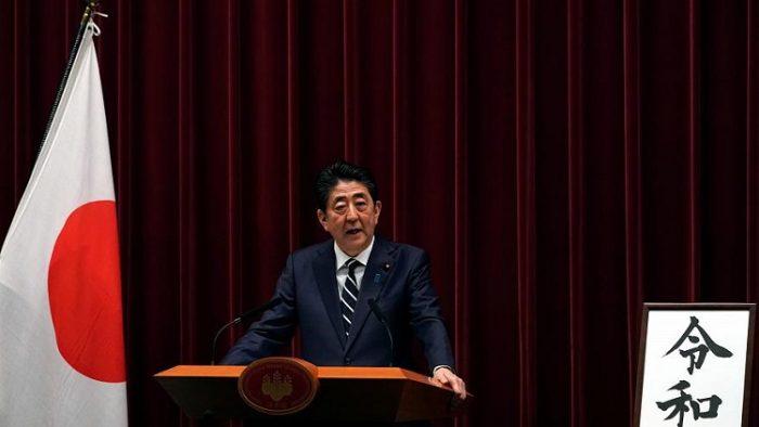 رئيس الحكومة اليابانية يتحدث العمل مع دولتين خليجيتين