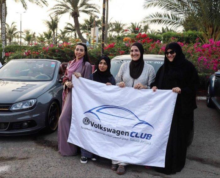 بمناسبة الاحتفاء بمرور عام على قيادة المرأة اطلاق اول نادى للسيارات بالمملكة