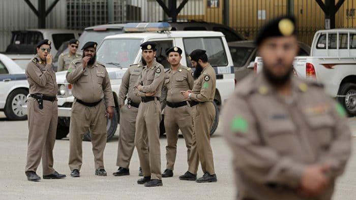 اعتقال شاب عذب طفلته في السعودية
