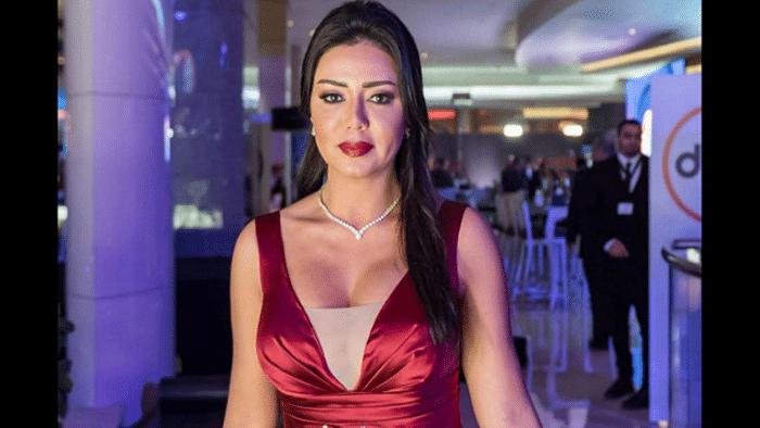 """رانيا يوسف تسخر من الرجال قائلة """"كلهم مصطفى ابو تورتة"""""""