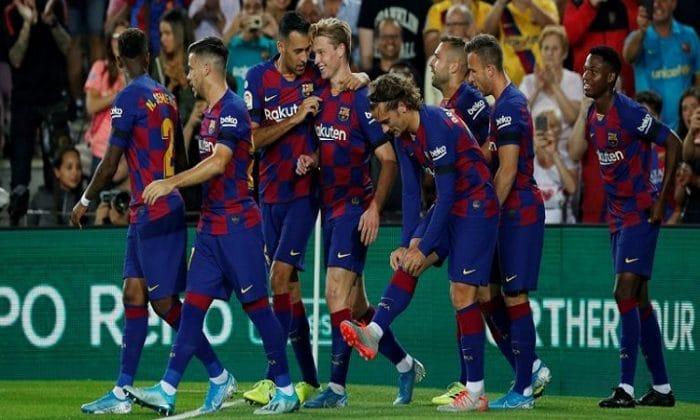برشلونة يفوز على ليجانس بثنائية ويواصل تصدره لليجا