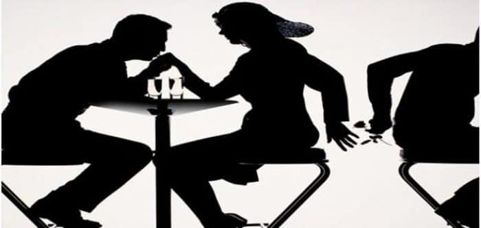 الخيانة الزوجية : بعد 20 عاما من الزواج اكتشف ان اولاده ليسوا من صلبه