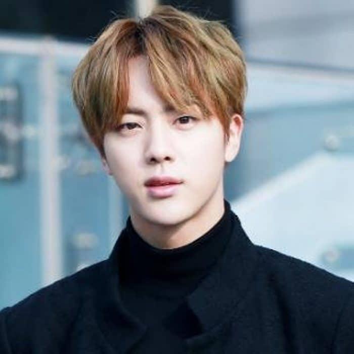 جيننجم فريق BTS الذي اختير الرجل الأوسم بالعالم .. من هو ؟