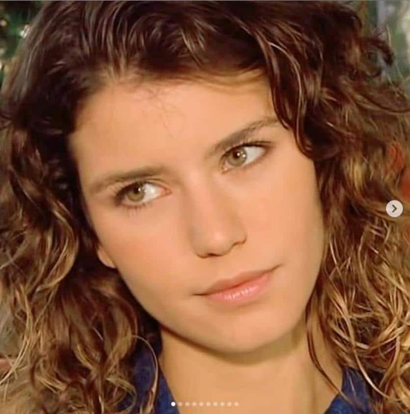 فضيحة بيرين سات الممثلة التركية في صورة