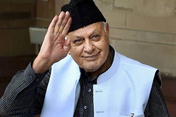 رئيس حكومة كشمير السابق: أنا حر