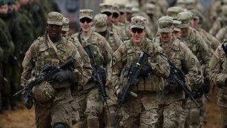 القوات الأمريكية تبدأ الانسحاب من أفغانستان