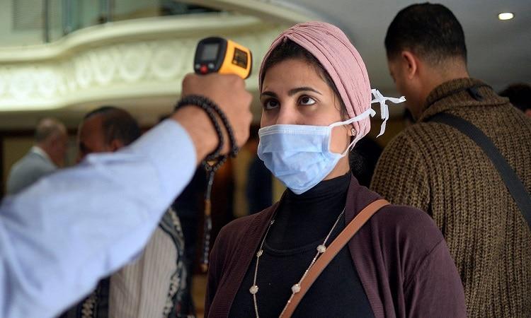 مصر تسجل رقما قياسيا في عدد إصابات ووفيات كورونا