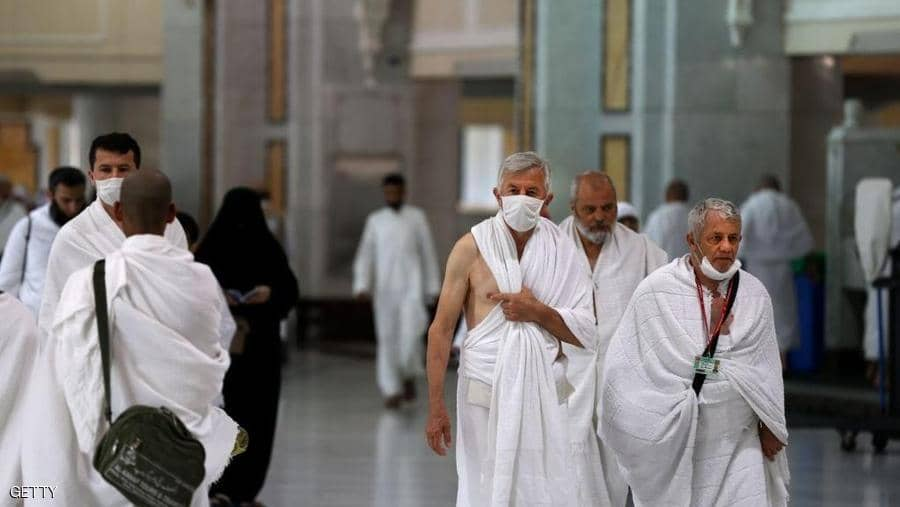السعودية توقف مناسك العمرة بسبب كورونا