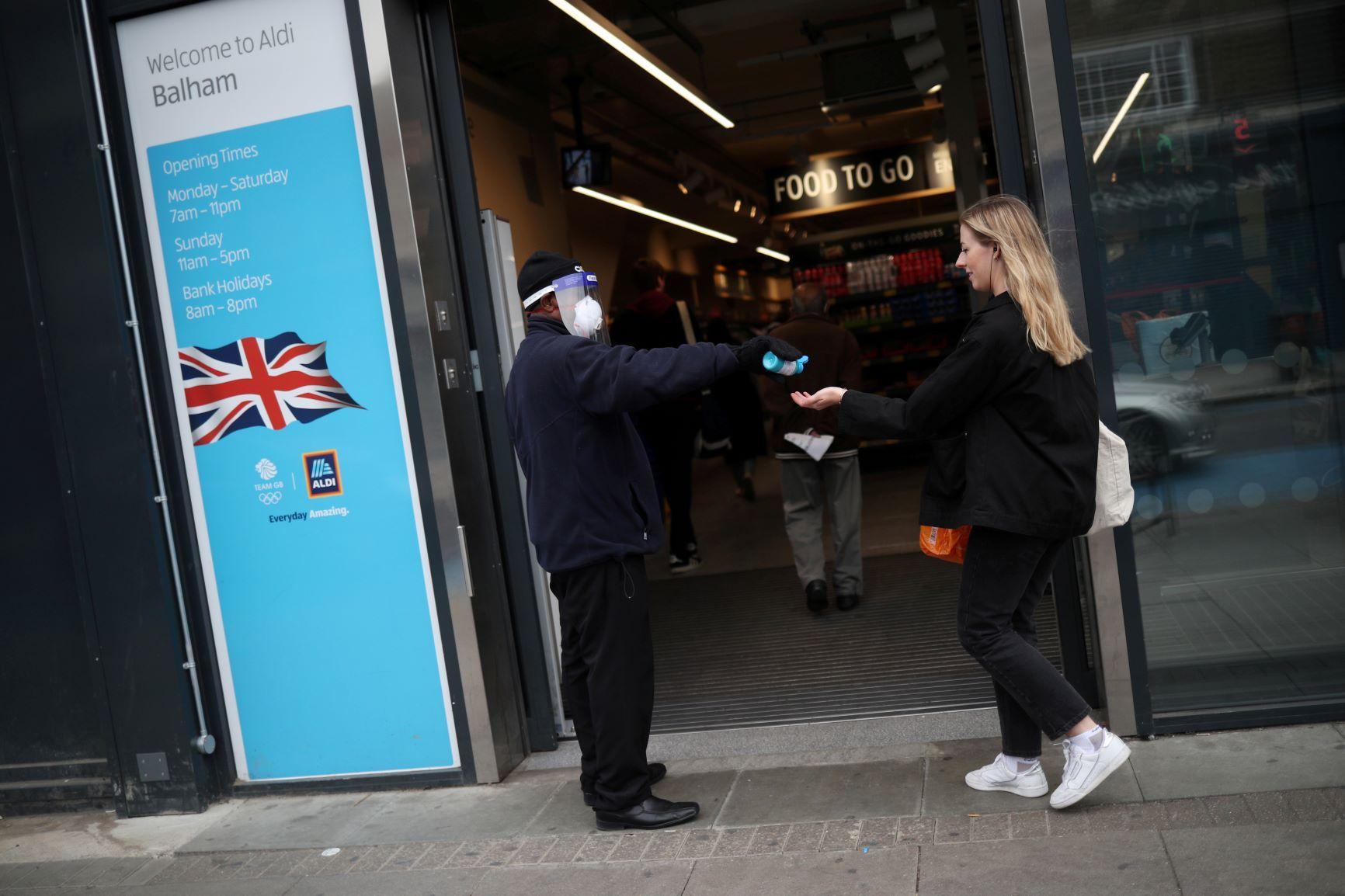 خبراء يحذرون بريطانيا من موجات عدوى قادمة