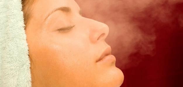 فوائد استخدام البخار فى تنظيف البشرة