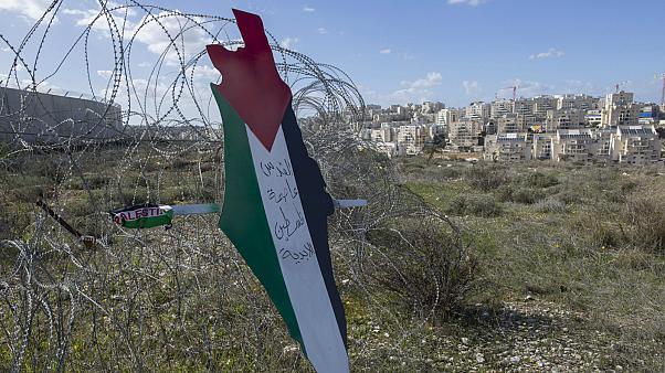 مايك بومبيو يمنح الاحتلال حق ضم الضفة