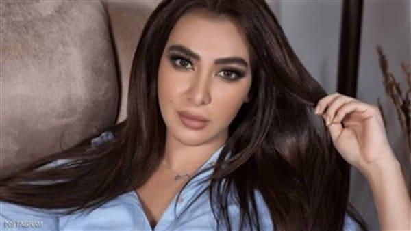 ميرهان حسين تبدع فى تقليد فيفيى عبدو شكلا ورقصا .. فيديو