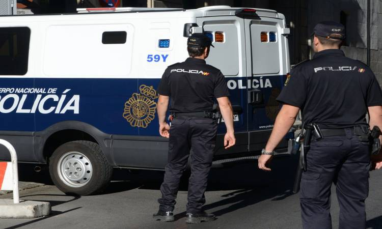 الشرطة الإسبانية تعتقل مغربيا خطط لهجوم إرهابي