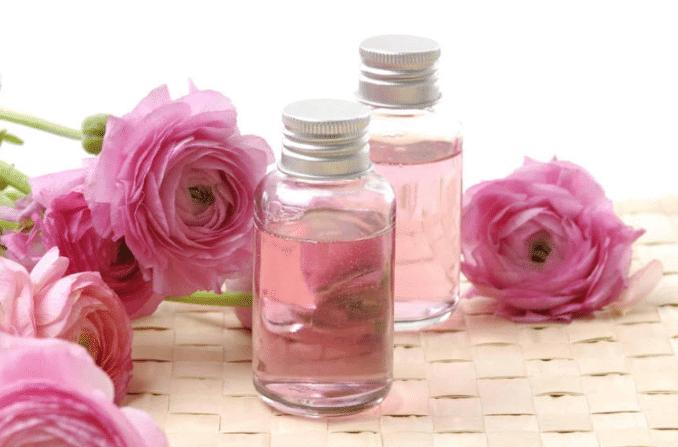 فوائد إستخدام زيت الورد للبشرة