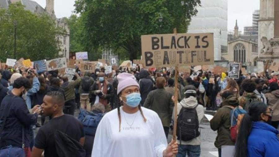 لجنة لبحث عمق العنصرية في بريطانيا