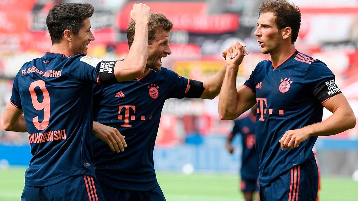 بايرن ميونيخ يتوج رسميا بالدوري الألماني بعد فوزه على بريمن