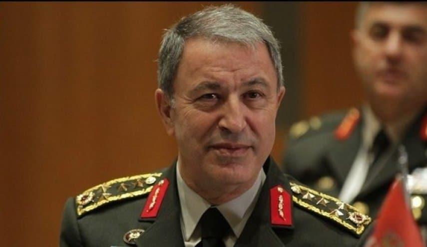 وزير الدفاع التركي يزور مركز عمليات مخلب النمر