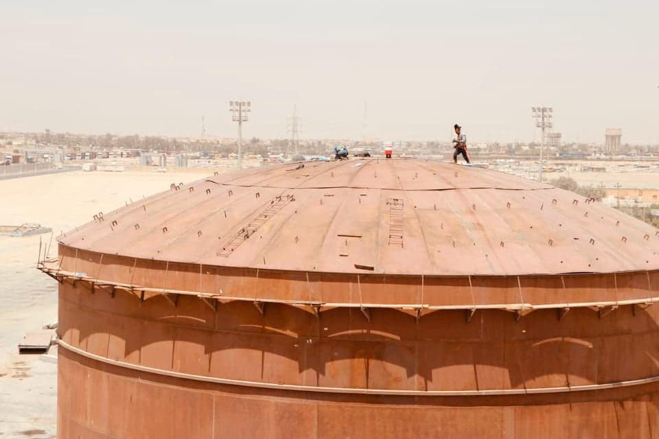 قرب انجاز خزانات نفطية إضافية في ميناء ام قصر العراقي