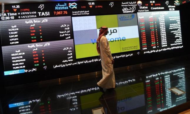 الأسهم السعودية تتحسن بشكل طفيف
