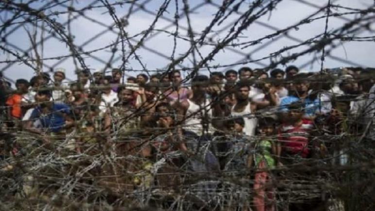 الروهينغا يعتنقون المسيحية في المخيمات