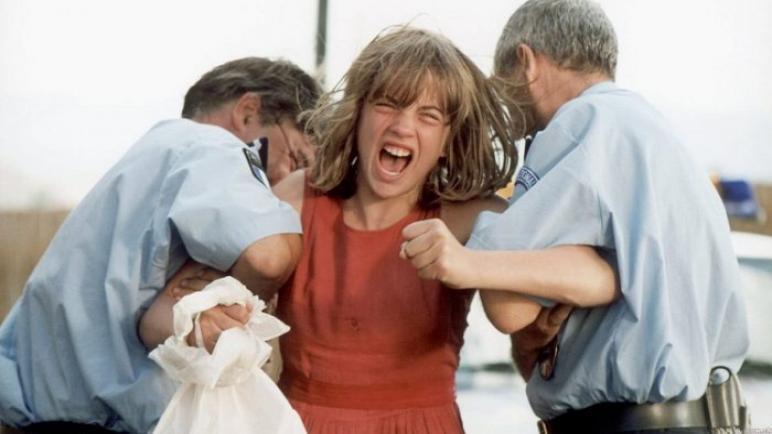 الممثلة الفرنسية أديل إنيل تفجر واقعة تحرش تعرضت لها
