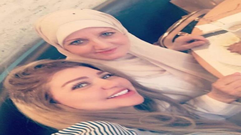 وصلة غزل من متابعى ياسمين الخطيب لوالدتها