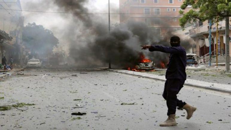 انفجار سيارة مفخخة فى مقديشو يتسبب فى وفاة 76 شخصا