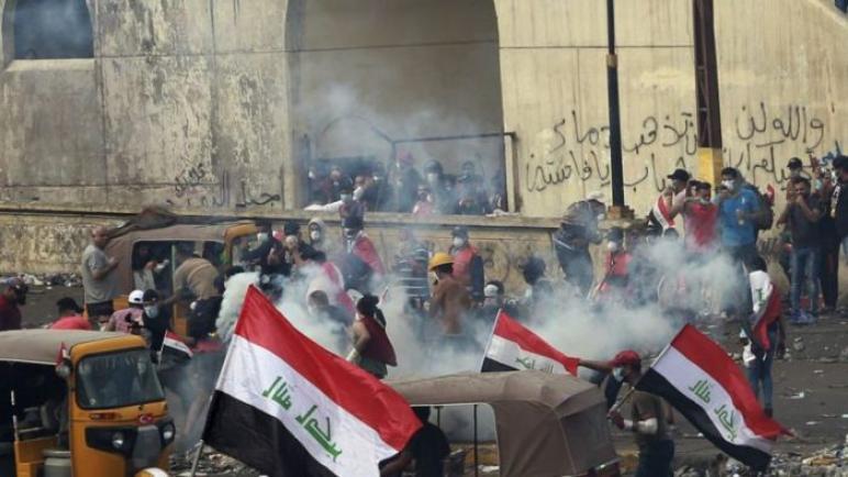 رئيس الحكومة العراقية يتوعد المتظاهرين