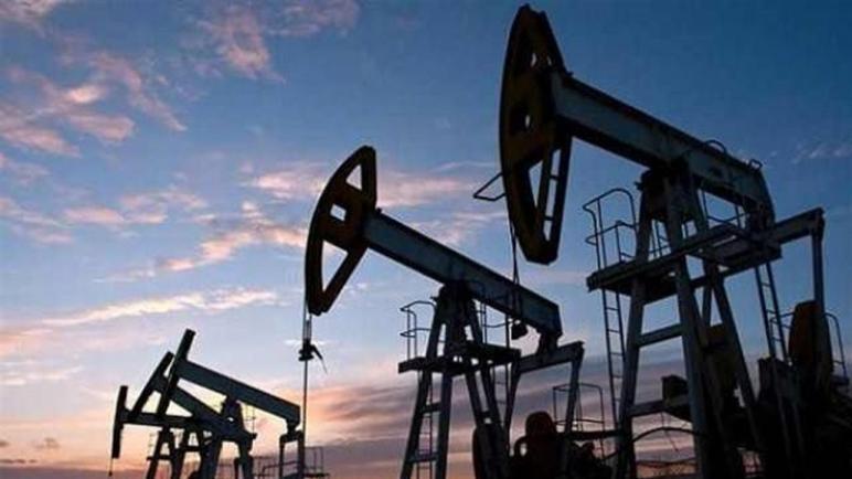 اسعار النفط تتهاوى وسط حرب مشتعلة